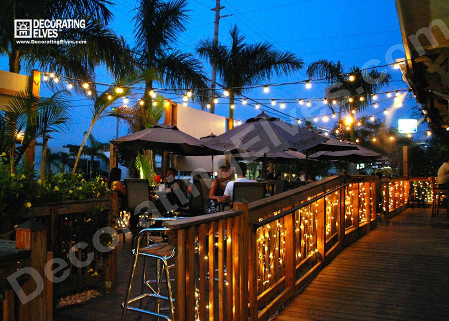 Bistro-Patio-Stringer-Lighting,-Outdoor-Deck-Patio-Lighting--www.decoratingelves.com