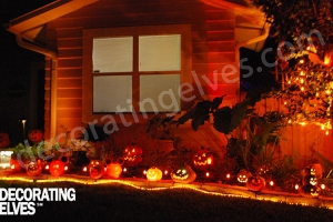 Halloween-Lite-Pumpkins-lined-bed-with-LED-rope-lighting-www.decoratingelves.com