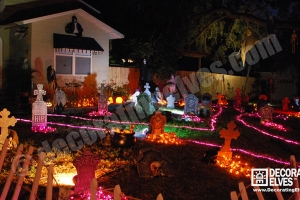 Graveyard-Scene-with-LED-Rope-Lighting-Pathway-www.decoratingelves.com
