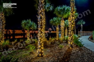 Decorating Elves 2015 - Ibis Walk (13)